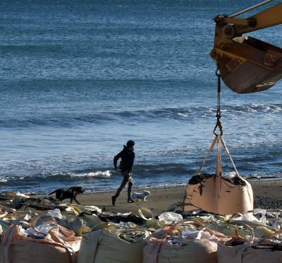 おかげさまで少しづつ復旧しています。茅ヶ崎海岸の今