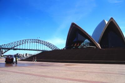 コロナウィルスで観光客が消えたシドニーを歩く(Deserted tourist-free Sydney due to COVID-19)
