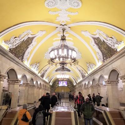 【4】まるで地下宮殿!美しいメトロの駅と街歩きの1日☆ロシア:モスクワ8日間
