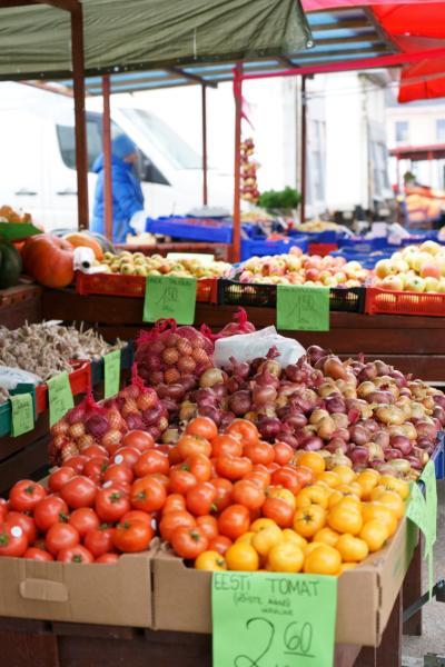秋のバルト三国 ひとり旅 【18】タリン中央市場と街歩き