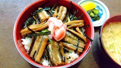 富津市で 煮穴子(はかりめ)丼を食べました。