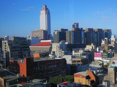 高雄と台北(3) ほぼ中山、ホテルはいい部屋にしてもらった。