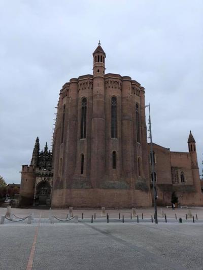 今日はアルビとスペインのサンセバスチャンに行く。