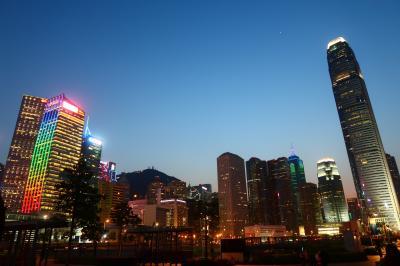 香港★香港は今日も元気です2 久しぶりに夜景を楽しみながらぶらぶら フェリーで中環から尖沙咀へ ~添馬公園~