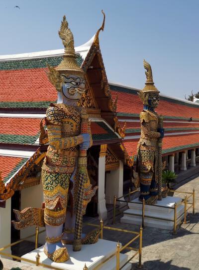 タイ・バンコク2020・・・(2)観光は定番お寺めぐりから 最初はエメラルド寺院・王宮