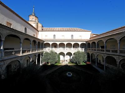 2019.12今年の年越しもスペインアンダルシア旅行27-サンタ・クルス美術館2,La Abadiaでランチ,サンタクララ広場を通る