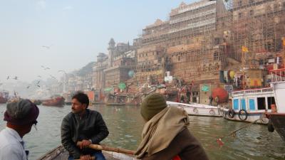 年末年始の初インド一人旅★DAY7【バラナシ】朝のガンガーボートトリップとB級グルメ三昧