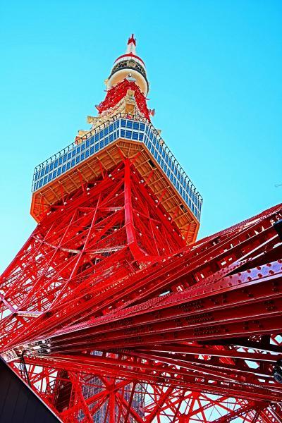 芝公園-2 東京タワー 333m 雄姿堂々-再塗装新しく ☆61年経過‐美観保つ定期的補修