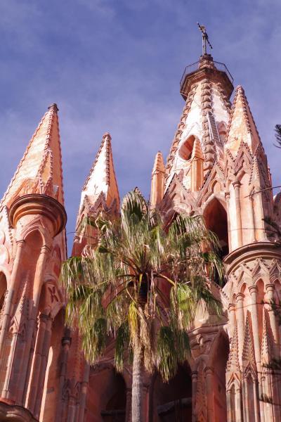 コロニアル様式の世界遺産都市サンミゲル・デ・アジェンデ