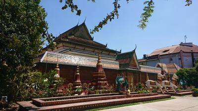 シェムリアップの街の中のお寺へお参り(新コロナ、パンデミック前のタイ・カンボジア旅行記)