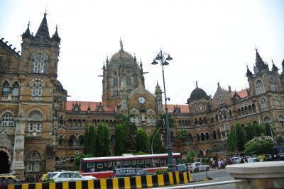 インド ムンバイ一日観光。オランダからの帰途、乗り継ぎ時間を利用してムンバイを観光しました。