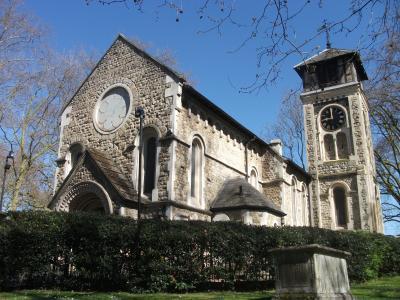 春のロンドン・セントパンクラス旧教会