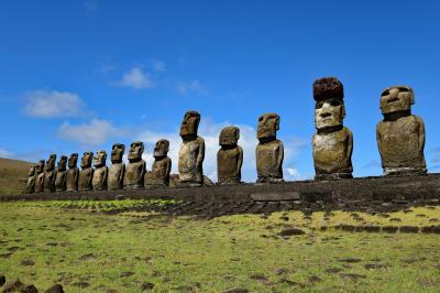 イースター島のモアイ、日の出、南十字星などの星空 : One Worldで世界一周 (4)