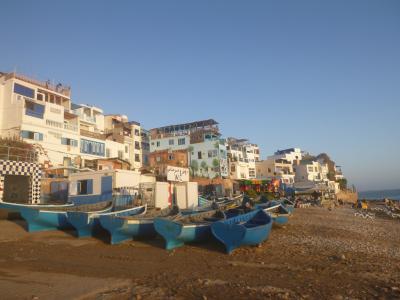 コロナ騒動ど真ん中モロッコ一人旅⑥シャウエンだけが青の町じゃない! 青と白のサーフリゾート・タガズー