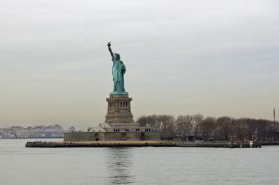 ANA特典ファーストで行くニューヨーク、自由の女神とブルックリン