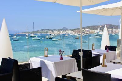 真夏の地中海 イビサ島〈サンアントニ地区〉ビーチホテルへ ~  イビサ島ベストシーズン旅  その4