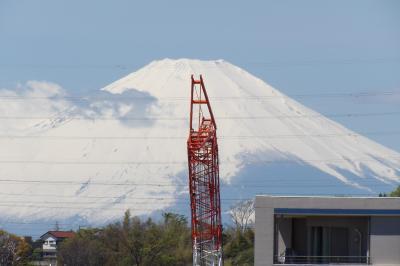 雲が出始めた富士山