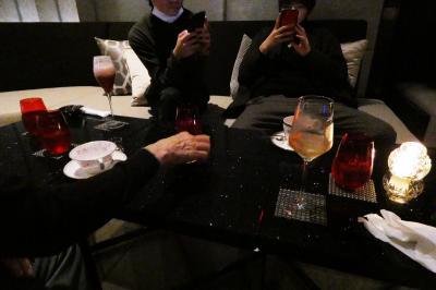 04.春休みのエクシブ湯河原離宮1泊 ロビーラウンジでもう一杯 ショップアデッソ