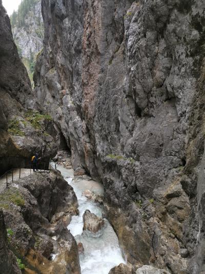 ツークシュピッツェ麓Höllentalklamm(悪魔の渓谷)ハイキング