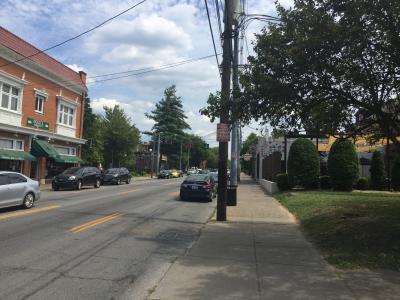 ケンタッキー州 ルイビル - バーズタウン ロード