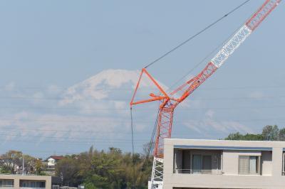 晴天でも春の富士山はこんなものか