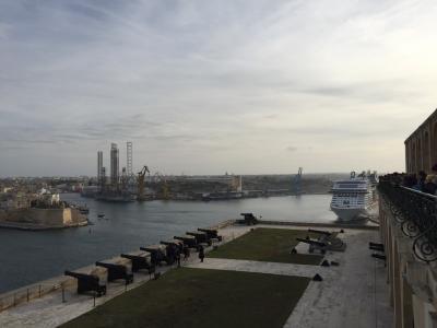 ヨーロッパ・マルタ島で2週間オトナの短期留学【11】いろんな国の生徒とお散歩