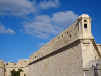 大晦日からマルタ島とキプロス島を巡るドライブ旅(猫とのふれあいも楽し♪)【7】ヴァレッタの聖エルモ砦→騎士団施療院→レンタカー返却