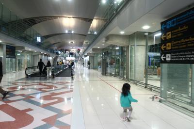 2歳児とバンコク2週間01★ロイヤルヨルダン利用 香港からバンコクへ 深夜着で空港近くのホテル滞在 ~ザ フェニックス ホテル~