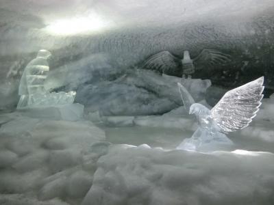 アルプス5大名峰と絶景列車の旅 15 マッターホルン・グレッシャーパラダイスで氷河宮殿を観光する