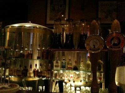 コネティカット州 ハートフォード - ブリューワリーで夕食とクラフトビール