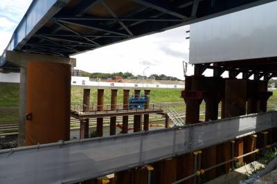連絡橋の架け替え工事