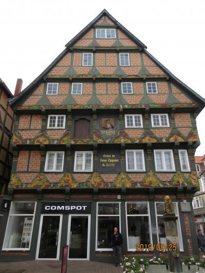 2019年ドイツのメルヘン街道と木組み建築街道の旅:⑲ツェレの美しい木組み建築の家並みに満足満足!