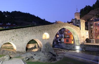 カンプロドン_Camprodón 美しいロマネスク橋!ピレネーの麓、かつてのカタルーニャ貴族の避暑地