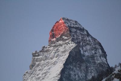 ツェルマット 朝焼けのマッターホルン(モルゲンロート)