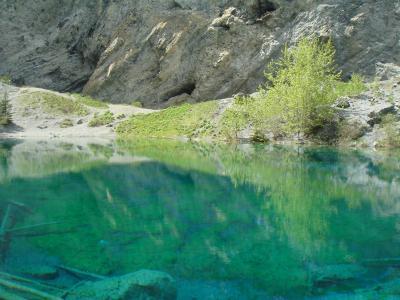 キャンモアで一番キレイな湖 グラッシーレイク