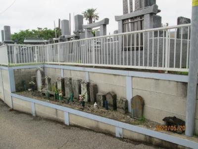 柏市の布施土谷津・共同墓地、公園・石仏