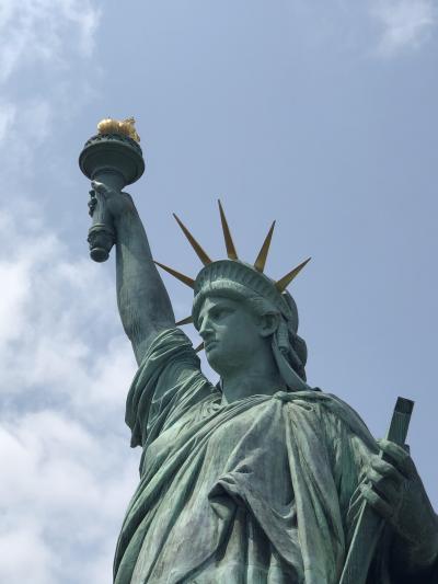 高輪からレインボーブリッジを徒歩で渡り自由の女神像を見る