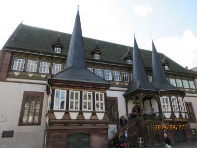 2019年ドイツのメルヘン街道と木組み建築街道の旅:⑳女流詩人ロスヴィータ のガンデルスハイム、美しい木組みの家並みのアインベック。