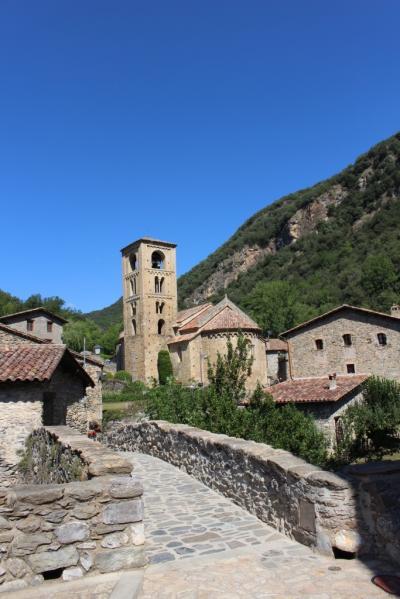 ベヘット_Beget ボニータ!バルセロナなどの都会人が喧騒を逃れて訪れる美しい村