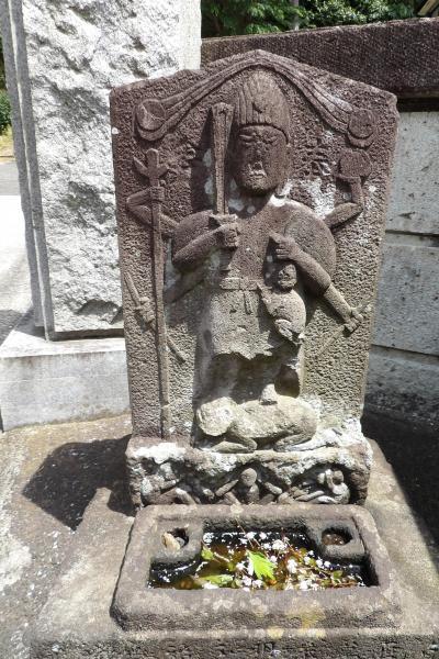 正覚寺の庚申塚(横浜市港南区港南2)