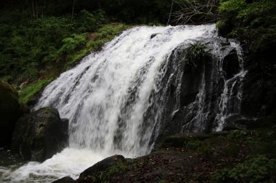 鳴滝でマイナスイオンを浴びた後吉川八幡宮でコロナウイルス退散祈願