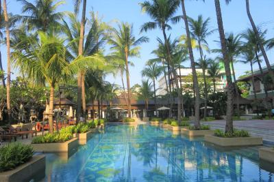 2019 NOV あの頃は熱気に包まれていたヤンゴン 老舗ホテルのチャトリウム 福岡からベトナム航空ハノイ経由で