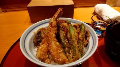 日本橋 天ぷら魚新(創業1890年)で、天丼を食べる