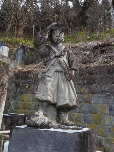 飯盛山① 白虎隊自刃の地。少年らの十九士の墓所に参拝。その空気はただならない空気に包まれています。