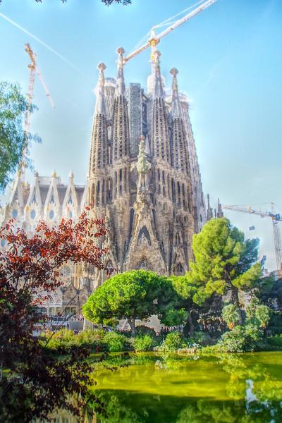 スペイン・バルセロナ彷徨記(4)  まだまだ続くモデルニスモ建築めぐり