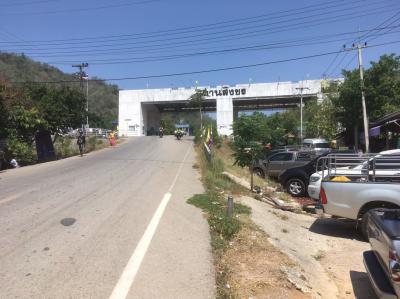 タイ~ミャンマー 国境 ダンシングコーン(マーケット)