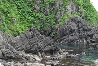 渡島半島日本海側の長磯海岸と三本杉岩~奇岩と柱状節理の風光明媚な海岸線~(北海道瀬棚)