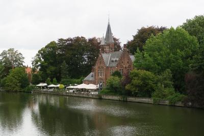 水の都ブルージュ 2.「ブリュッセル南駅からブルージュ、愛の湖公園へ!」