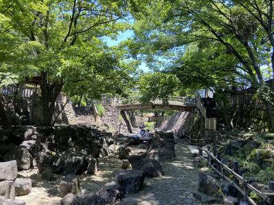 新型コロナ拡散で、人がおらずガラガラの音無親水公園。人々で溢れんばかりの賑わいのあった公園、石神井川