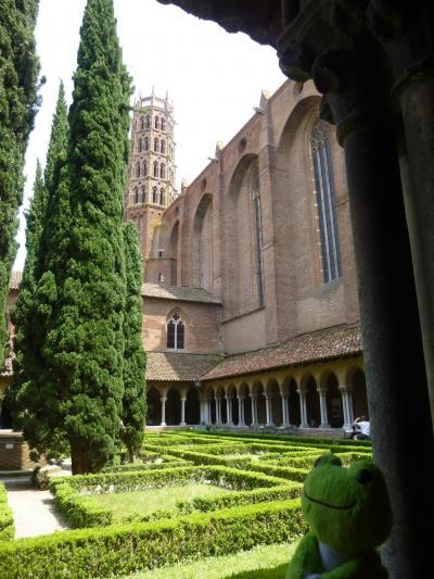 休暇でロマネスク旅 トゥールーズ 2 煉瓦造りの修道院とおいしいサラダランチ